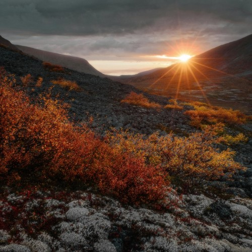 kolioli-20150917-Olga-Potapova-The-moment-of-sunset-in-Khibiny-mountains-Kola-peninsula