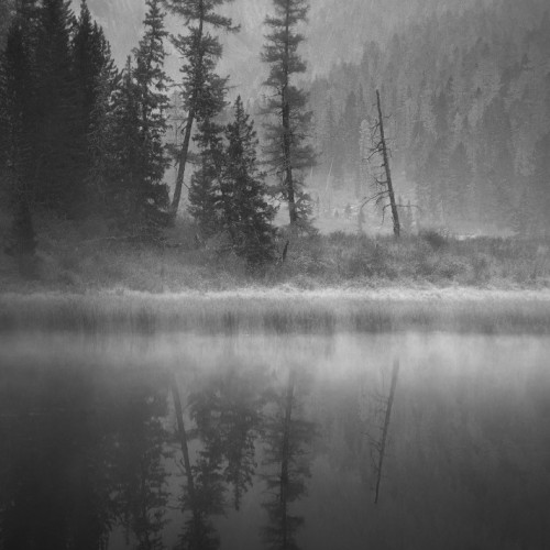 kolioli-20190922-Olga-Potapova-early-morning-in-the-Altai-mountains-bw